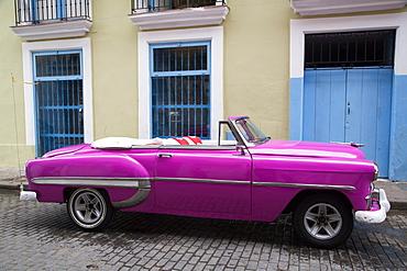 Vintage 1953 Chevrolet, La Habana Vieja, UNESCO World Heritage Site, Havana, Cuba, West Indies, Central America