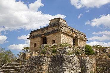 Structure of the Seven Dolls, Mayan Ruins, Dzibilchaltun Archaeological Site, 700 to 800 AD, near Merida, Yucatan, Mexico, North America