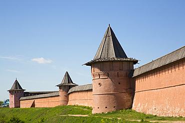 Rampart Walls and Towers, Saviour Monastery of St. Euthymius, UNESCO World Heritage Site, Suzdal, Vladimir Oblast, Russia, Europe