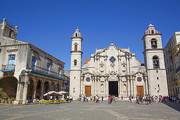 Cathedral de San Cristobal, Plaza de la Cathedral, Old Town, UNESCO World Heritage Site, Havana, Cuba, West Indies, Caribbean, Central America