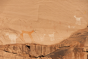 Canyon de Chelly National Monument, Antelope House Ruins, Colorful Rock Art Paintings, Arizona, United States of America, North America