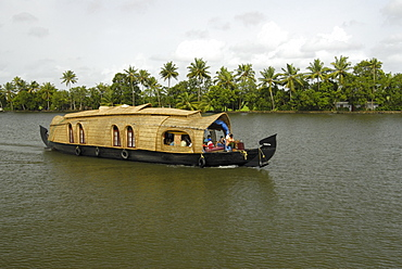 Houseboat in the Backwaters of Alleppey, Kerala, India, Asia