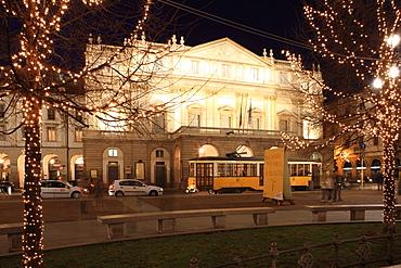 Teatro alla Scala at Christmas, Milan, Lombardy, Italy, Europe