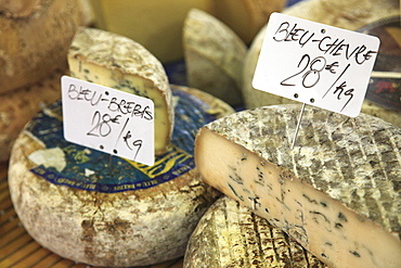 Cheese on market stall, Cours Massena, Old Town, Vieil Antibes, Antibes, Cote d'Azur, French Riviera, Provence, France, Europe