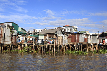 Stilt houses on the waterfront, Can Tho, Mekong River, Mekong Delta, Can Tho Province, Vietnam, Indochina, Southeast Asia, Asia