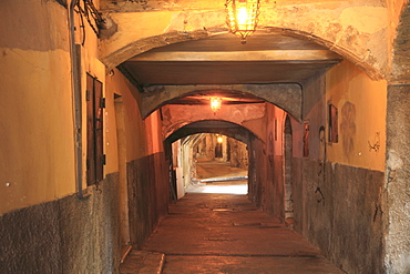 Rue Obscure (Dark Passage) datring from the 13th century, Villefranche sur Mer, Cote d'Azur, French Riviera, Provence, France, Europe