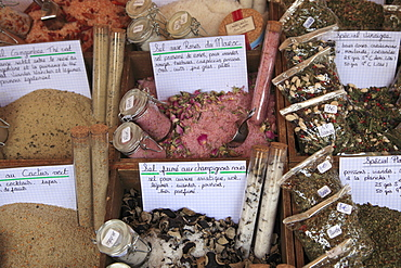 Spices, Market, Cours Saleya, Old Town, Nice, Alpes Maritimes, Provence, Cote d'Azur, French Riviera, France, Europe