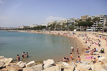 Public Beach, La Croisette, Cannes, Cote d'Azur, Alpes Maritimes, Provence, French Riviera, France, Mediterranean, Europe
