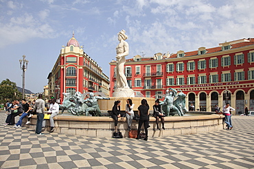 Fontaine du Soleil (Fountain of the Sun), Place Massena, Nice, Cote d'Azur, Provence, French Riviera, France, Europe