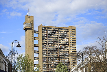 Trellick Tower, Apartments, Brutalist Architecture, architect Erno Goldfinger, Notting Hill, London, England, United Kingdom, Europe