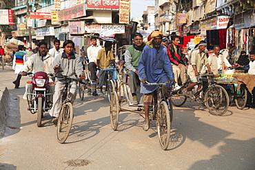 Traffic, Old City, Varanasi, Uttar Pradesh, India, Asia