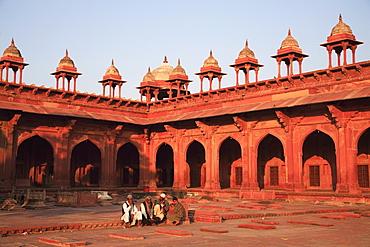 Inner courtyard of Jama Masjid, Fatehpur Sikri, UNESCO World Heritage Site, Uttar Pradesh, India, Asia