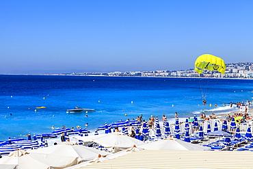 Beach scene, Nice, Alpes Maritimes, Provence, Cote d'Azur, French Riviera, France, Mediterranean, Europe