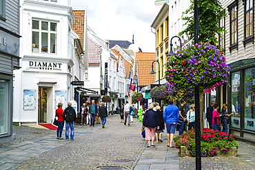 Pedestrianised shopping street in Stavanger, Norway, Scandinavia, Europe
