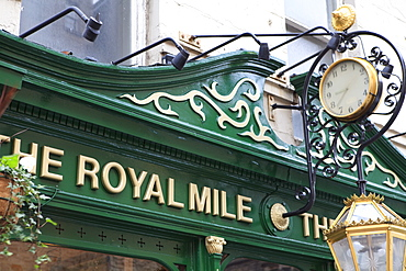 The Royal Mile pub, Old Town, Edinburgh, Scotland, United Kingdom, Europe