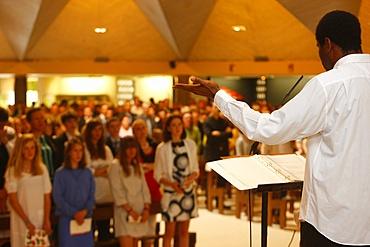 Church singing, Le Chesnay, Yvelines, France, Europe