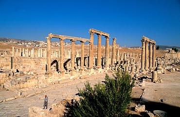 The Cardo, the colonnaded street, Jerash, Jordan, Middle East