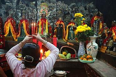Women's room dedicated to Kim Hoa mothers' goddess, Emperor Jade Pagoda, Ho Chi Minh City, Vietnam, Indochina, Southeast Asia, Asia