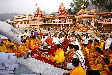Evening celebration in Parmath, Rishikesh, Uttarakhand, India, Asia