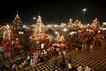 Har-ki-Pauri lit up at night during the Kumbh Mela, Haridwar, Uttarakhand, India, Asia