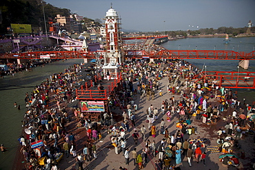 Holy ghat of Har Ki Pauri in Haridwar during Kumbh Mela in 2010, Haridwar, Uttarkhand, India, Asia