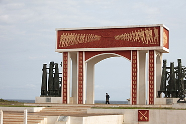 Point of No Return Monument on the Route des Esclaves, Ouidah, Benin, West Africa, Africa