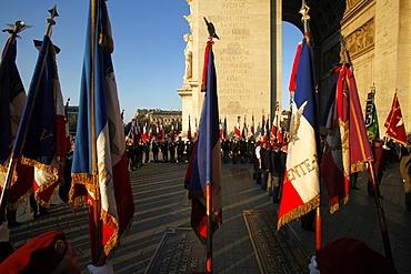 War veterans at the Arc de Triomphe, Paris, France, Europe
