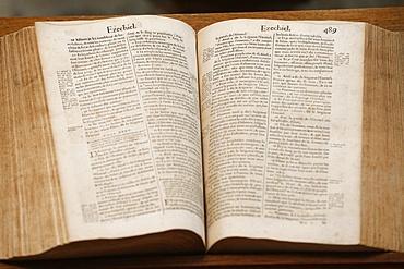 Old Bible, Geneva 1678, Paris, France, Europe