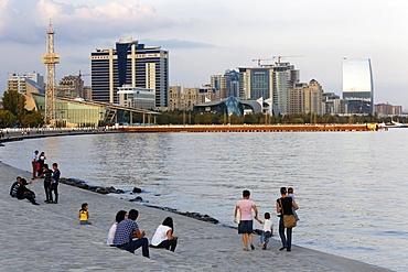 Baku boulevard, a promenade running parallel to the Caspian seafront, Baku, Azerbaijan, Central Asia, Asia