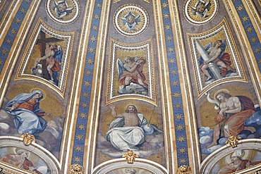 Detail of dome and frescoes in St. Peter's Basilica, Vatican, Rome, Lazio, Italy, Europe