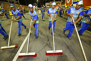 Street sweeping before the official opening of the Salvador carnival, Bahia, Brazil, South America