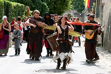 Acrobats in the Costume Parade during the medieval festival of Provins, UNESCO World Heritage Site, Seine-et-Marne, France, Europe
