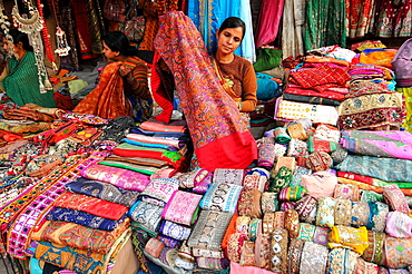 Rajasthani fabric on a market in New Dehli, Delhi, India, Asia