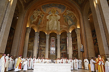 Mass for the setting up of Mgr Aupetit in Sainte Genevieve de Nanterre Cathedral, Nanterre, Hauts-de-Seine, France, Europe