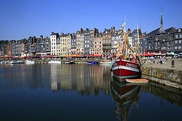 Le Vieux Bassin, Honfleur, Basse-Normandie, France, Europe