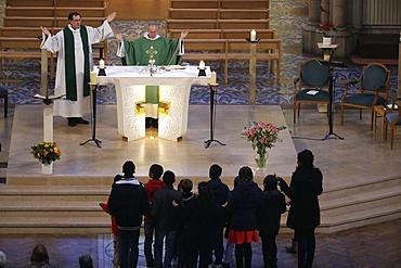 Eucharist, Catholic Mass, Notre-Dame du Perpetuel Secours Basilica, Paris, France, Europe