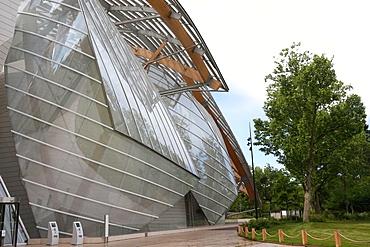 Louis Vuitton Foundation (Fondation Louis-Vuitton), Art Museum, Architect Frank Gehry, Paris, France, Europe