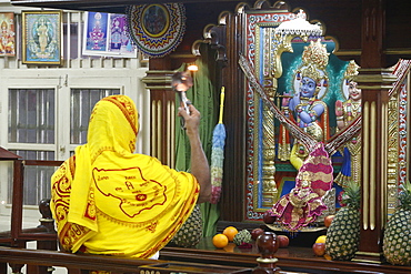 Evening puja at Swaminarayan temple, Kampala, Uganda, Africa