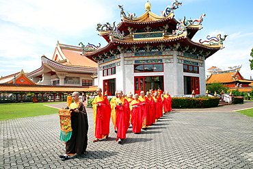 Buddhist ceremony, Liberation Rite of Water and Land, Kong Meng San Phor Kark See Monastery, Singapore, Southeast Asia, Asia