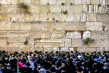 Prayers at the Western Wall during Pessah festival, Jerusalem, Israel, Middle East