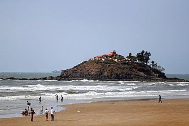 Sand beach and pagoda, Vung Tau, Vietnam, Indochina, Southeast Asia, Asia