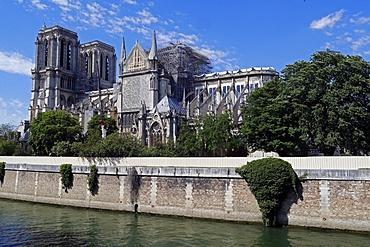 Consolidation work after the fire, Notre Dame de Paris Cathedral, Paris, France, Europe