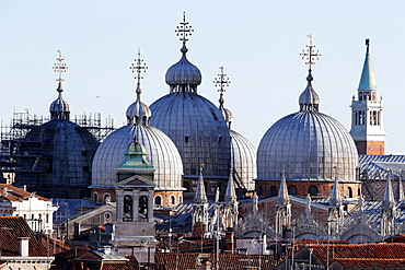 Roof of the Basilica San Marco, an example of Byzantine architecture first built in the 9th century, Venice, UNESCO World Heritage Site, Veneto, Italy, Europe