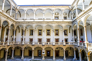 Courtyard of the Palazzo dei Normanni (Palace of the Normans) (Royal Palace), Palermo, Sicily, Italy, Europe