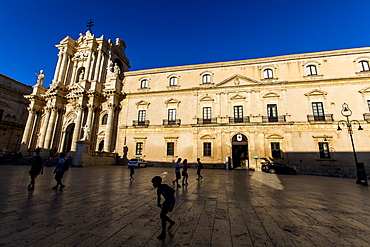 Syracuse Cathedral, UNESCO World Heritage Site, Syracuse, Sicily, Italy, Mediterranean, Europe