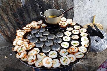 Street food, Banh Xeo (Vietnamese pancakes), Vung Tau, Vietnam, Indochina, Southeast Asia, Asia