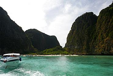 The famous beach of Koh Phi Phi island, the Beach of Leonardo di Caprio, Thailand, Southeast Asia, Asia