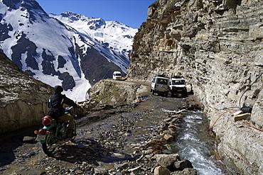 At Rohtang pass, first snow at the top, Himalaya Highway, road from Manali to Leh, Himachal Pradesh, India, Asia