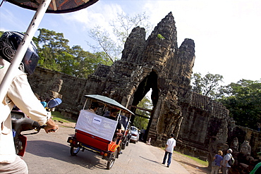 The south gate of the Angkor Wat temple, UNESCO World Heritage Site, Siem Reap, Cambodia, Indochina, Southeast Asia, Asia