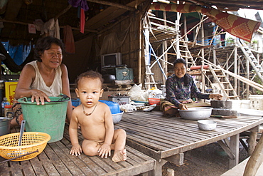A family in the village of Kompong Phluk, on Tonle Sap lake, close to Siem Reap, Cambodia, Indochina, Southeast Asia, Asia